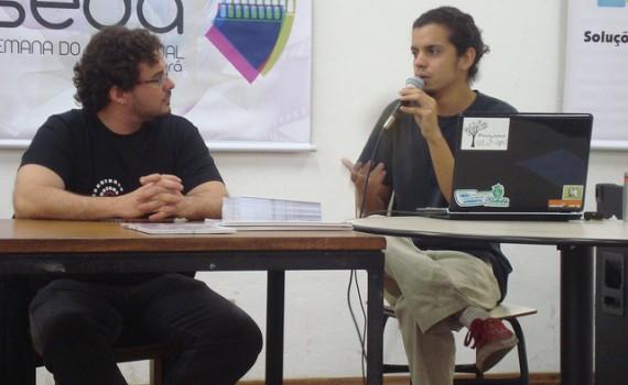 Mesa de debates na SEDA em Sabará-MG, 2011. Foto: Coletivo Fórceps